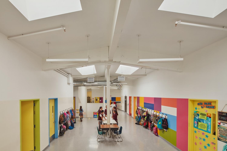ACADEMIA MODERNA CHARTER SCHOOL