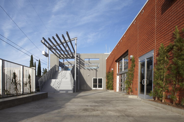 GREEN DOT E. 27TH STREET CHARTER HIGH SCHOOLS