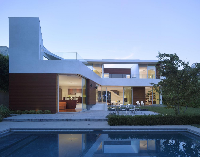 LA HOUSE 1